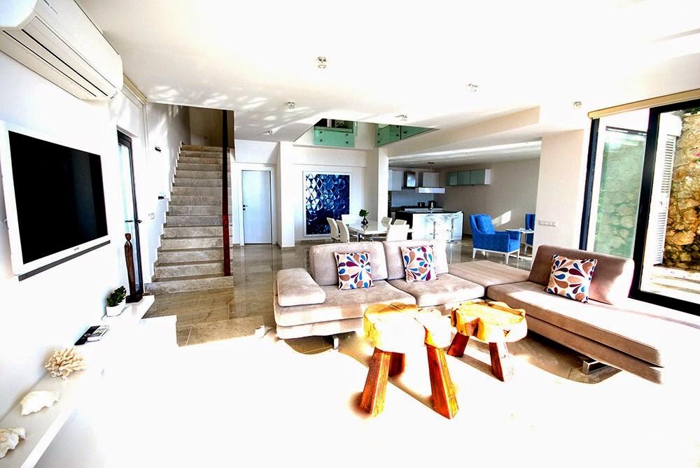 Swan Living Area
