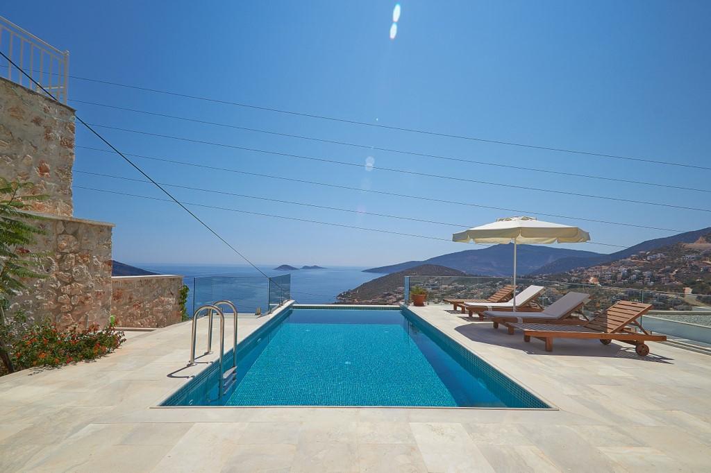 Villa Swan Swimming Pool