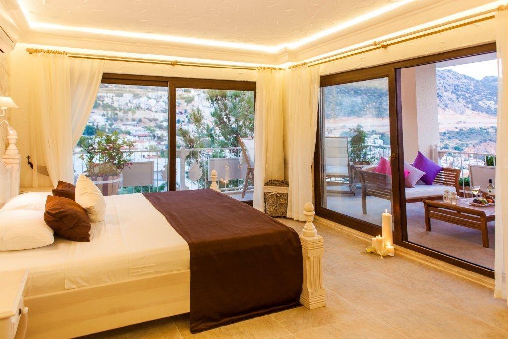 Deluxe Suites Oasis Hotel 18