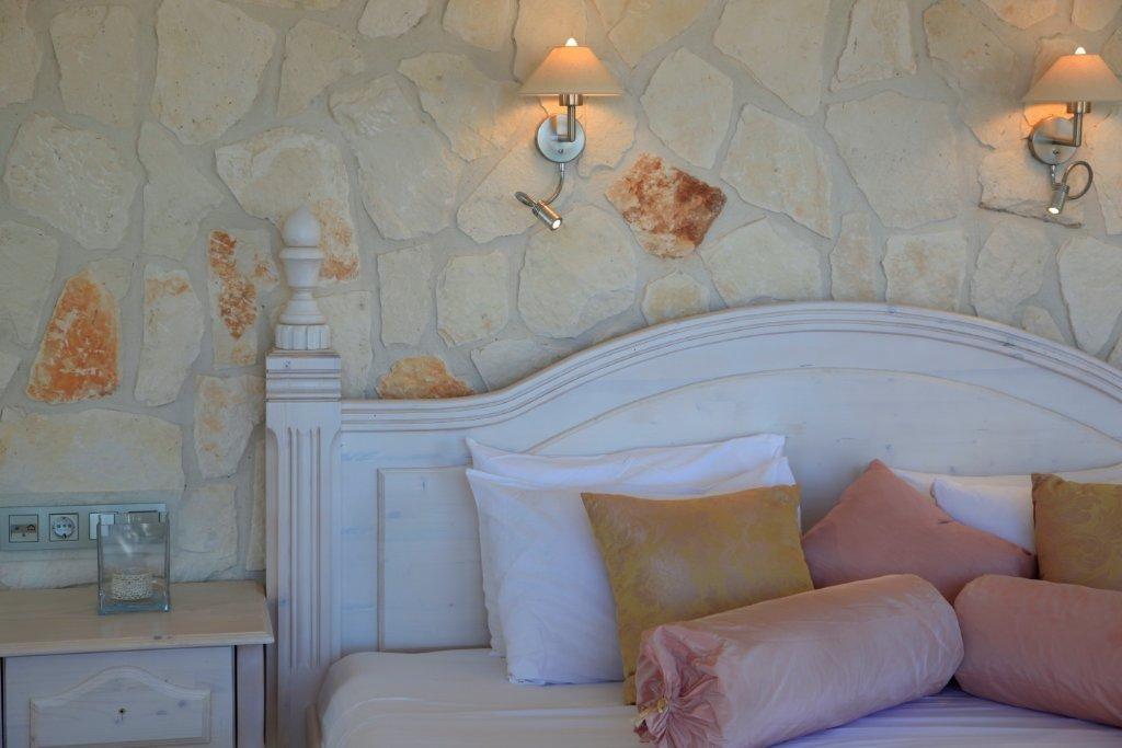 Deluxe Suites Oasis Hotel 10