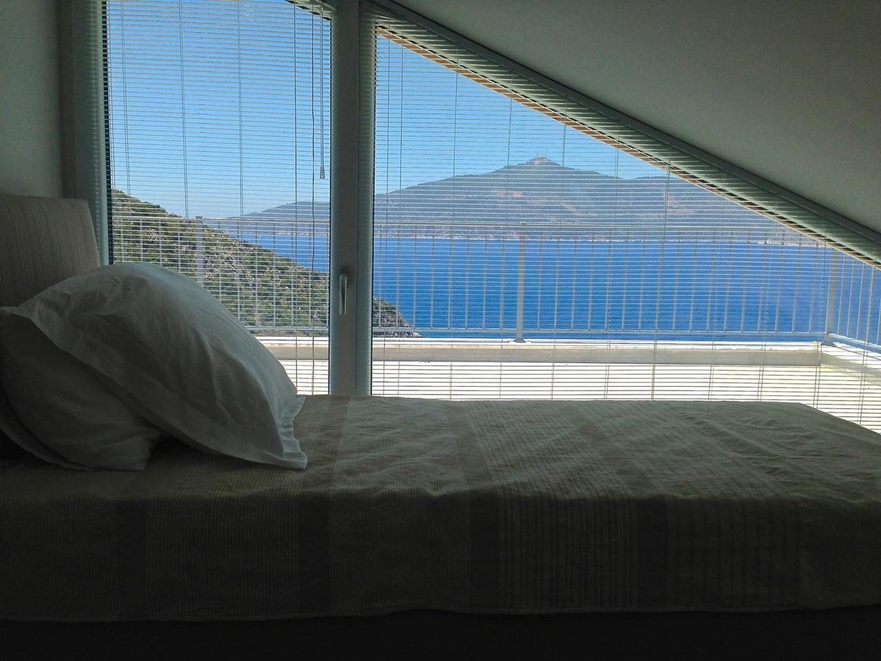 Top Floor Bedroom With Access To Roof Terrace