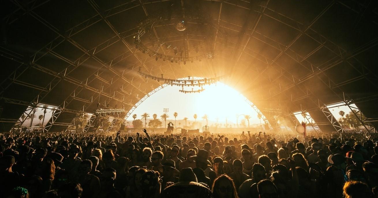 Music Light Gathering People Crowd Concert 1365418 Pxherecom