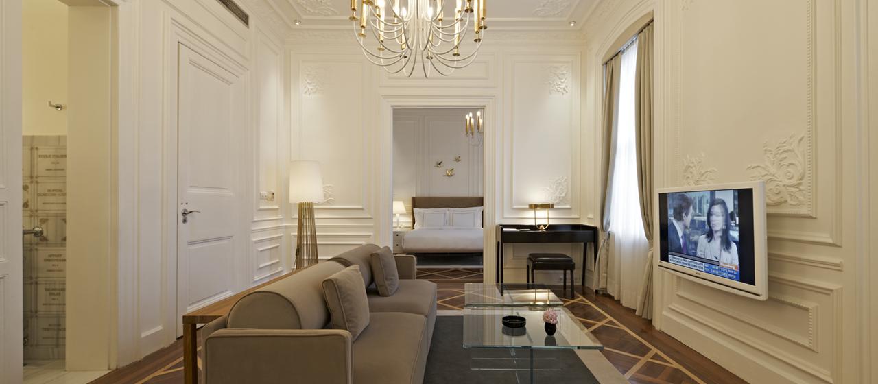 The House Hotel Galatasaray Executive Suite Livingroom