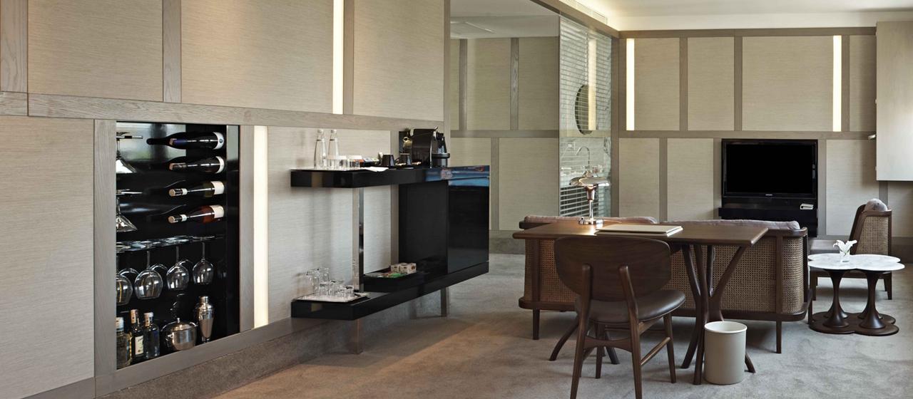 The House Hotel Nisantasi Junior Desk Web