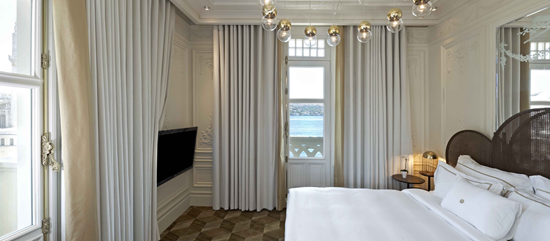 The House Hotel Bosphorus Deluxe Bosphorus Suite Bed Room Web