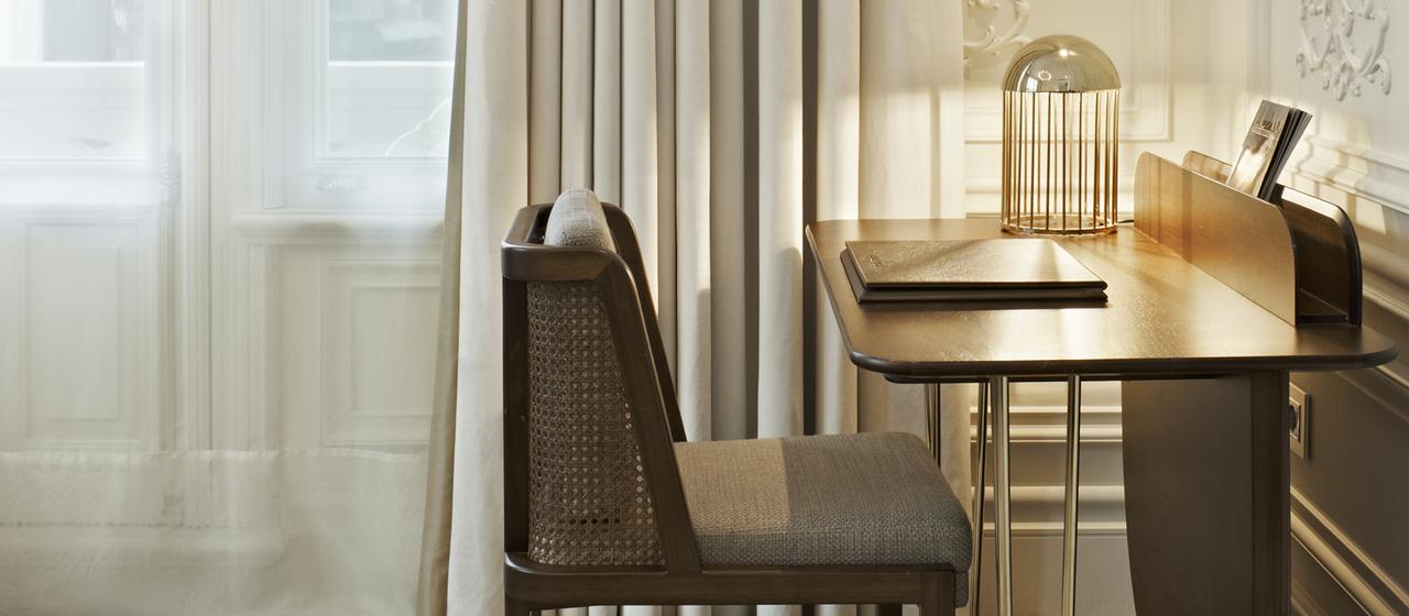 The House Hotel Bosphorus Penthouse Desk