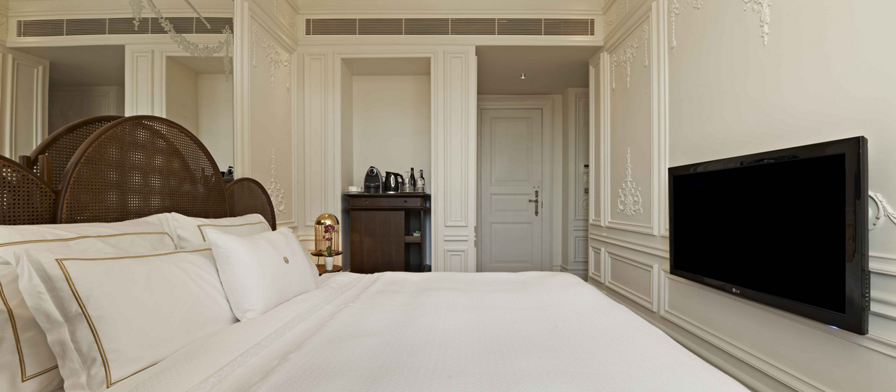 The House Hotel Bosphorus Superior Bosphorus Bed Room Web