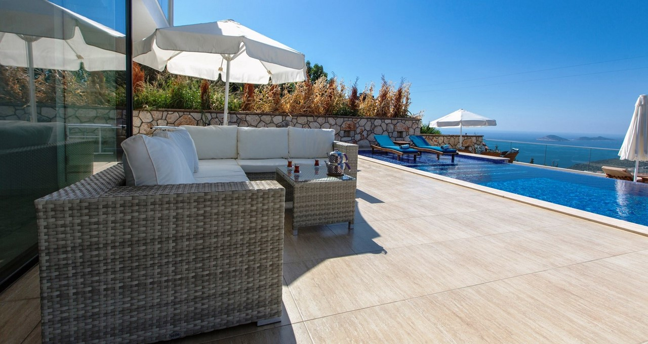 Cushioned Rattan Sofas For Relaxing