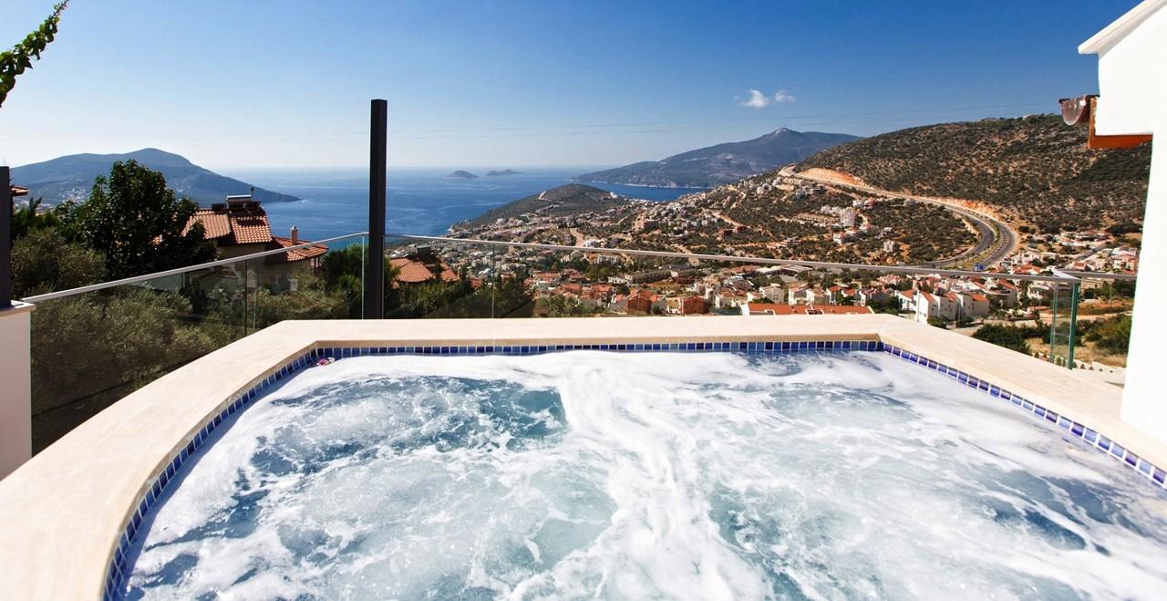 Roof Terrace Jacuzzi