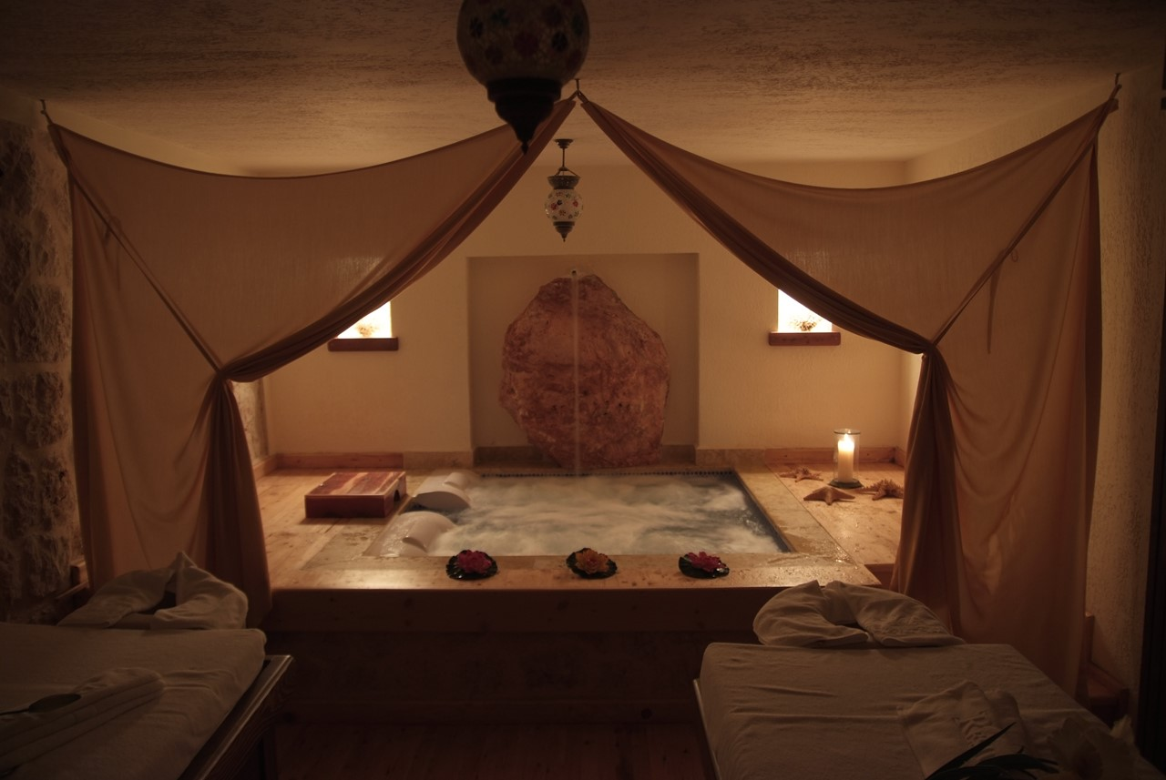Massage room with spa bath