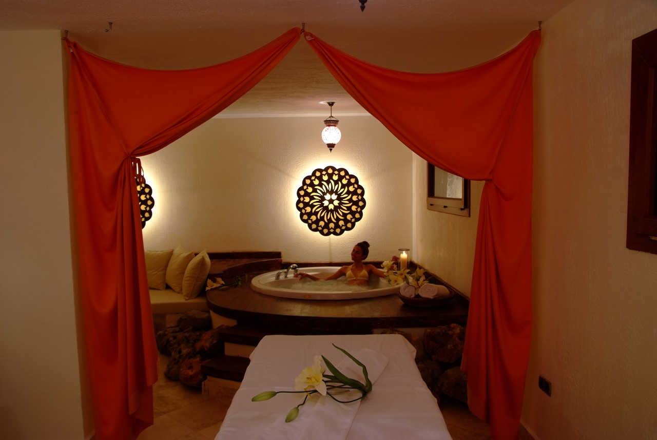 Jacuzzi and Massage room