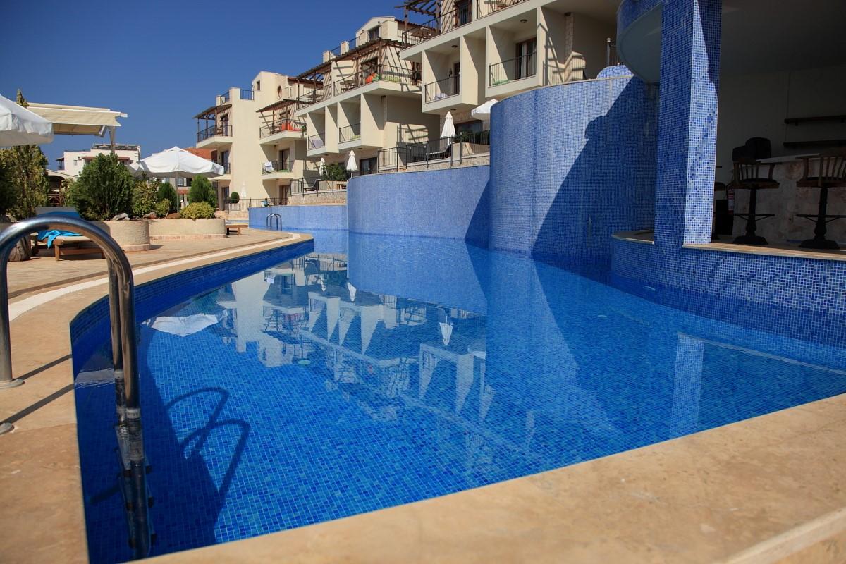 Elvina swimming pool complex
