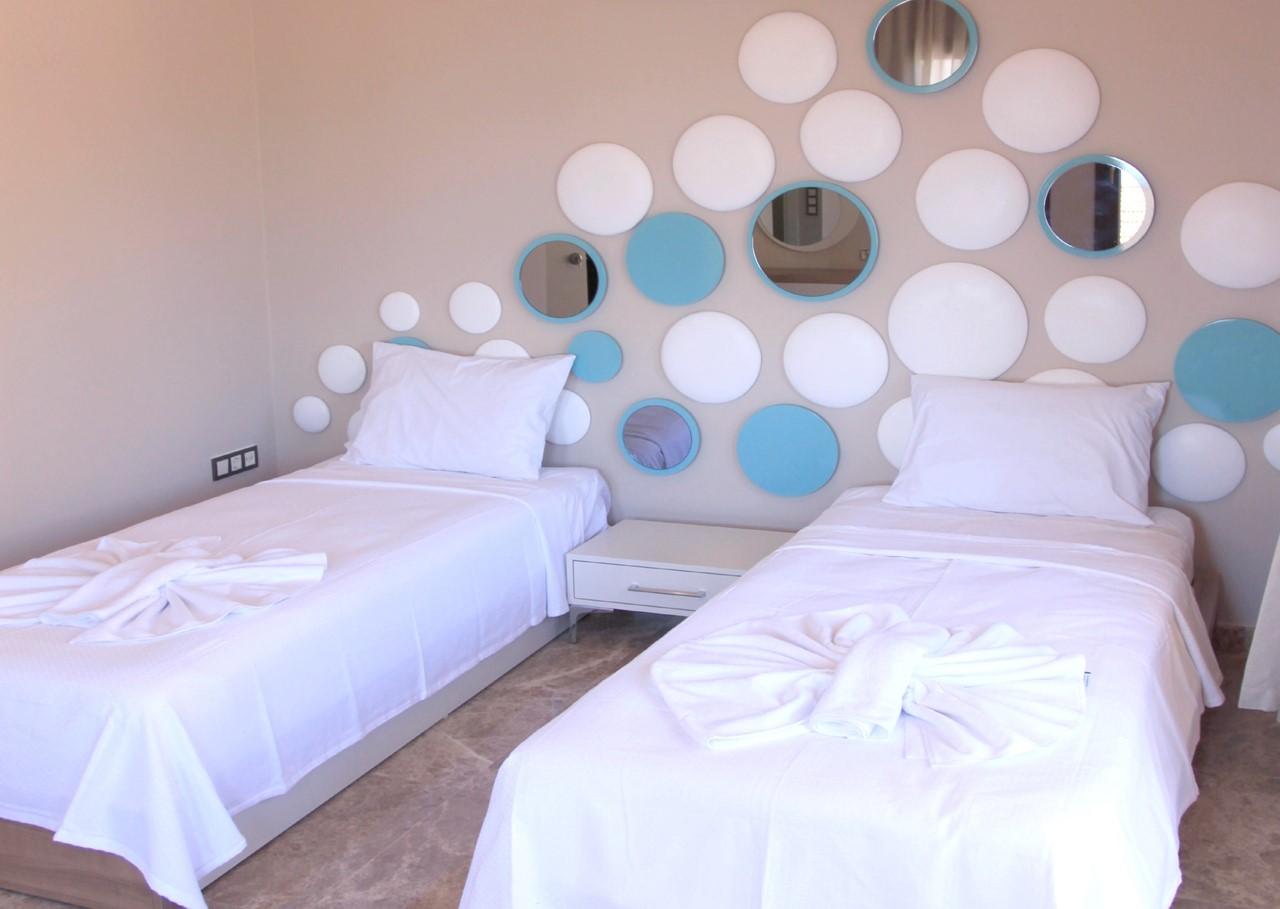 Contemporary twin bedroom