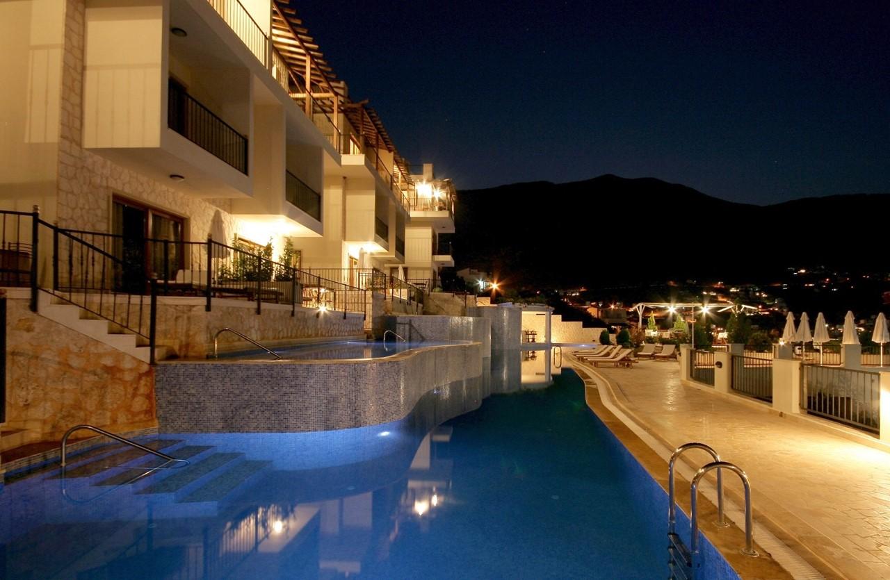 The Elvina apartments at night