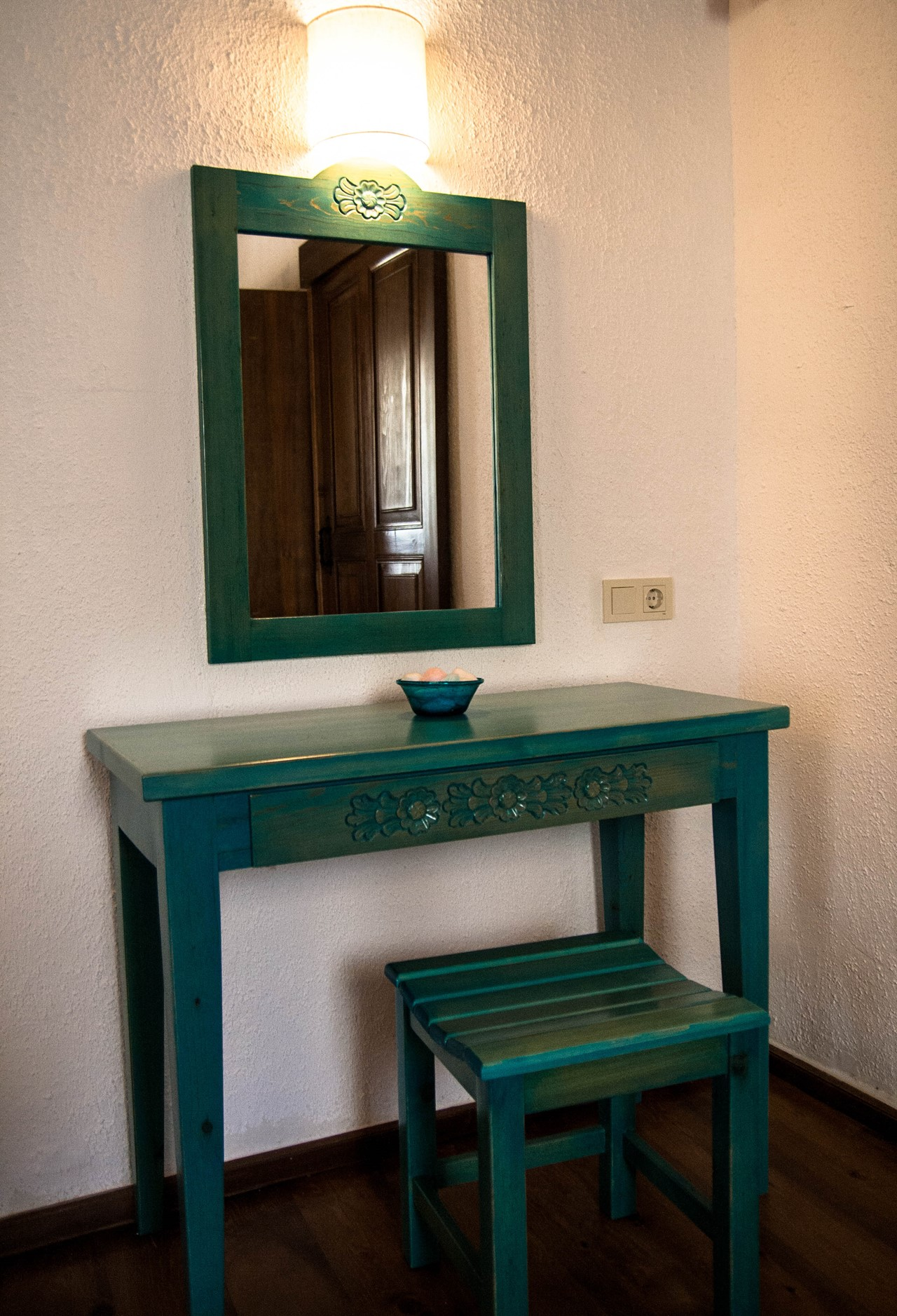 Dressing tables in each room