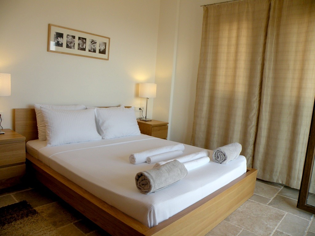 Double bedrom with en-suite and balcony