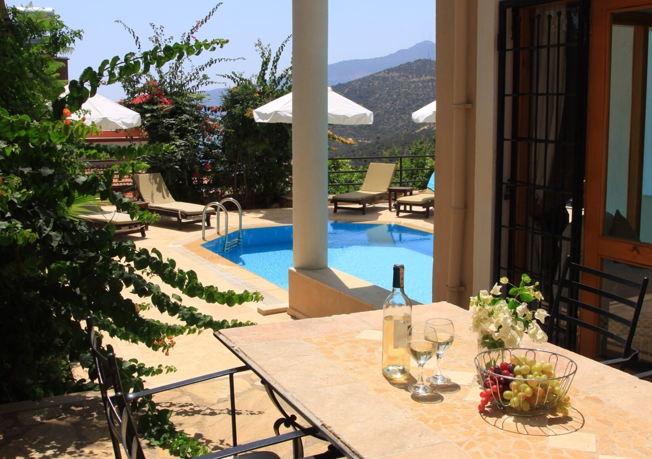 Furnished dining terrace at Villa Badem