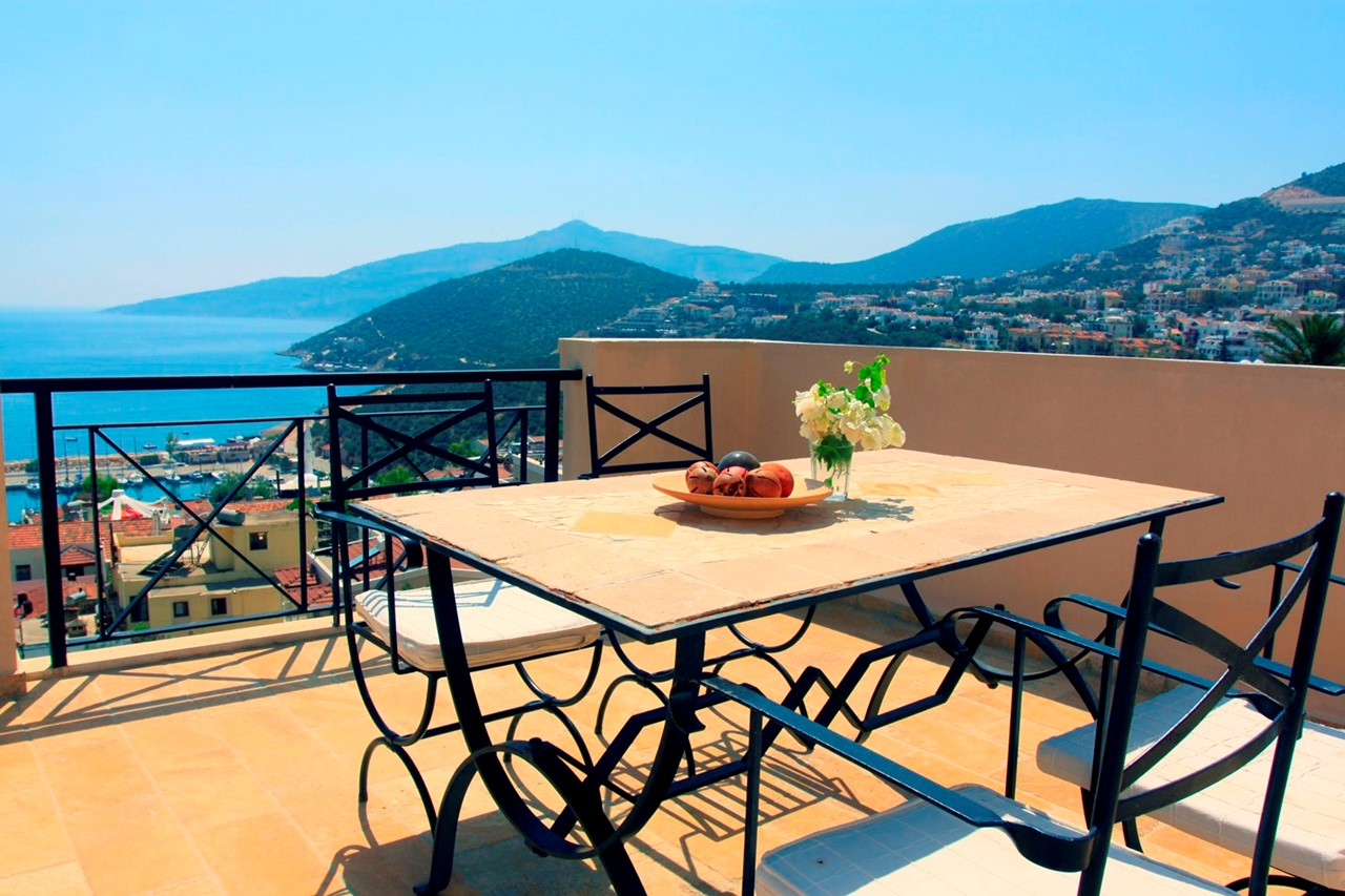 Furnished roof terrace with sea views