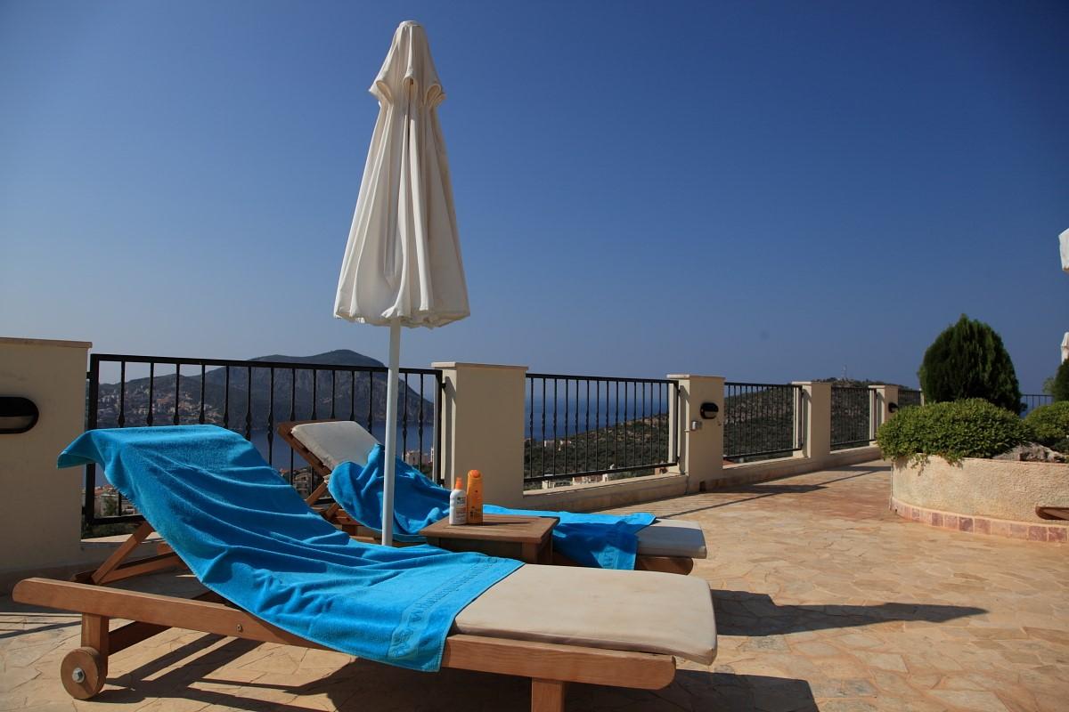Sea view communal terrace
