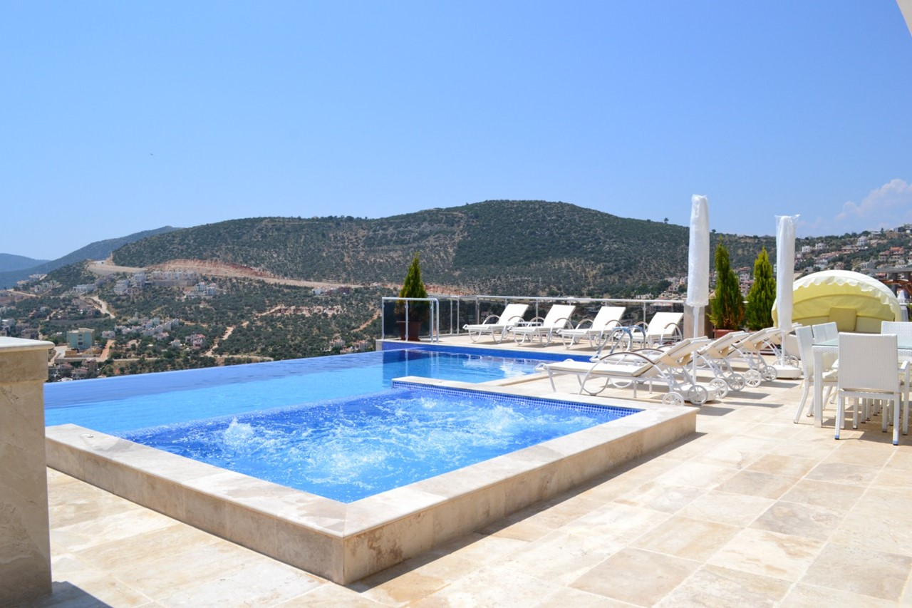 Villa Kizil has a private infinity pool and a separate jacuzzi