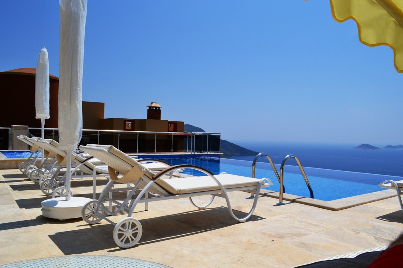 Fully furnished terrace with sunbeds