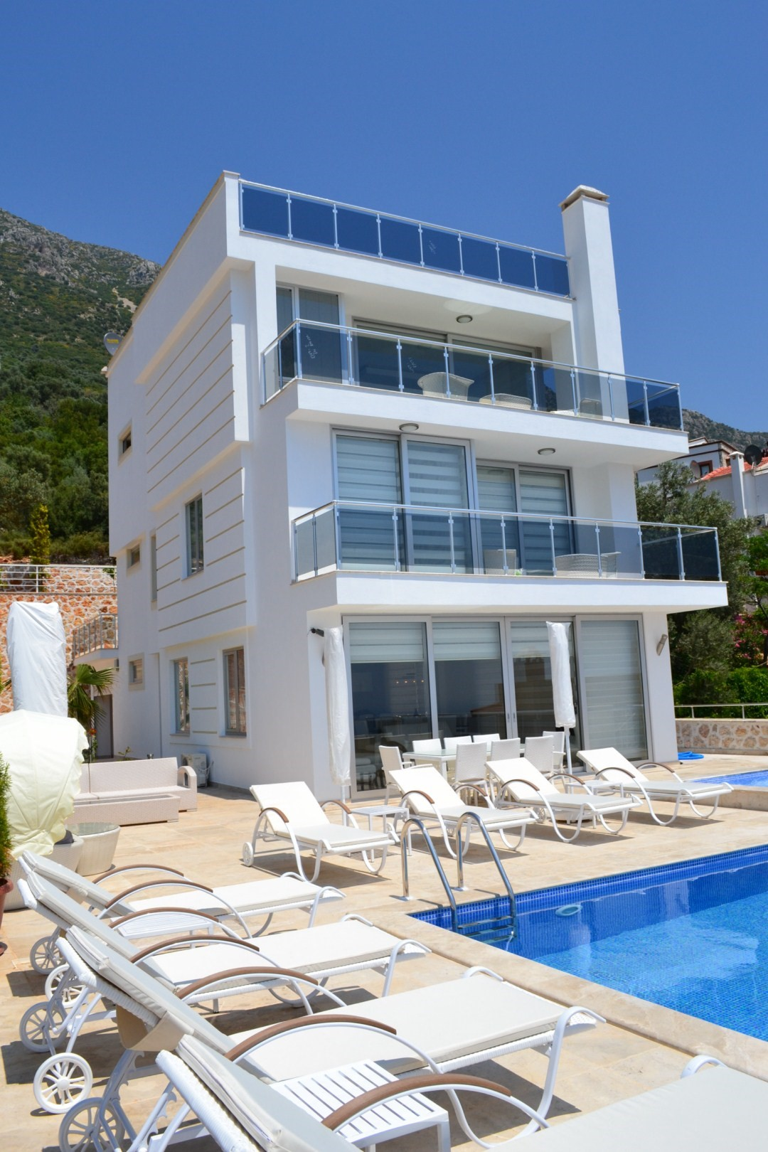 Villa Kizil is arranged over 3 floors and has 5 bedrooms