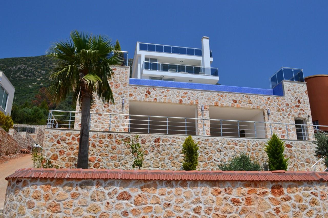 Villa Kizil with parking