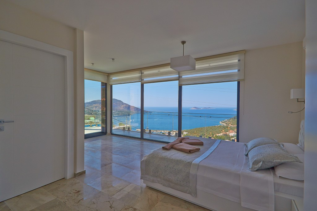 Bedrooms With Sea Views