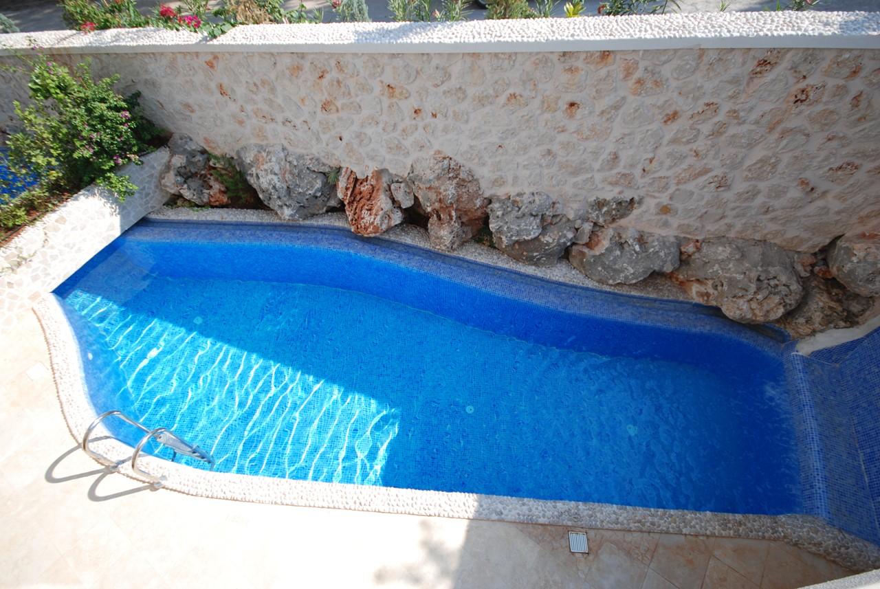 Private Pool At Apartment Maria