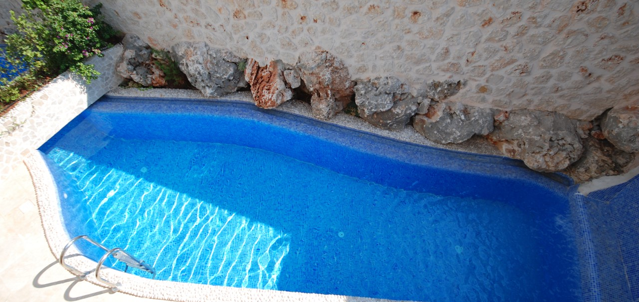 Private Pool At Apartment Maria