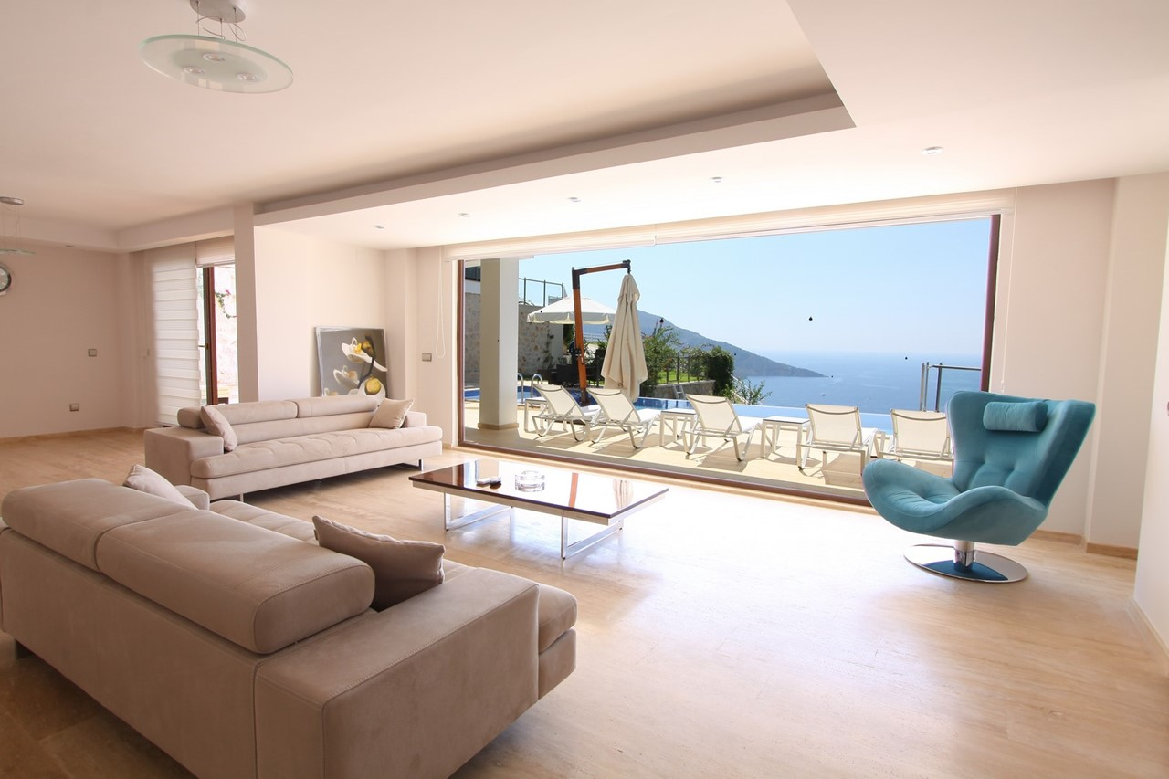 Living Space With Incredible Views