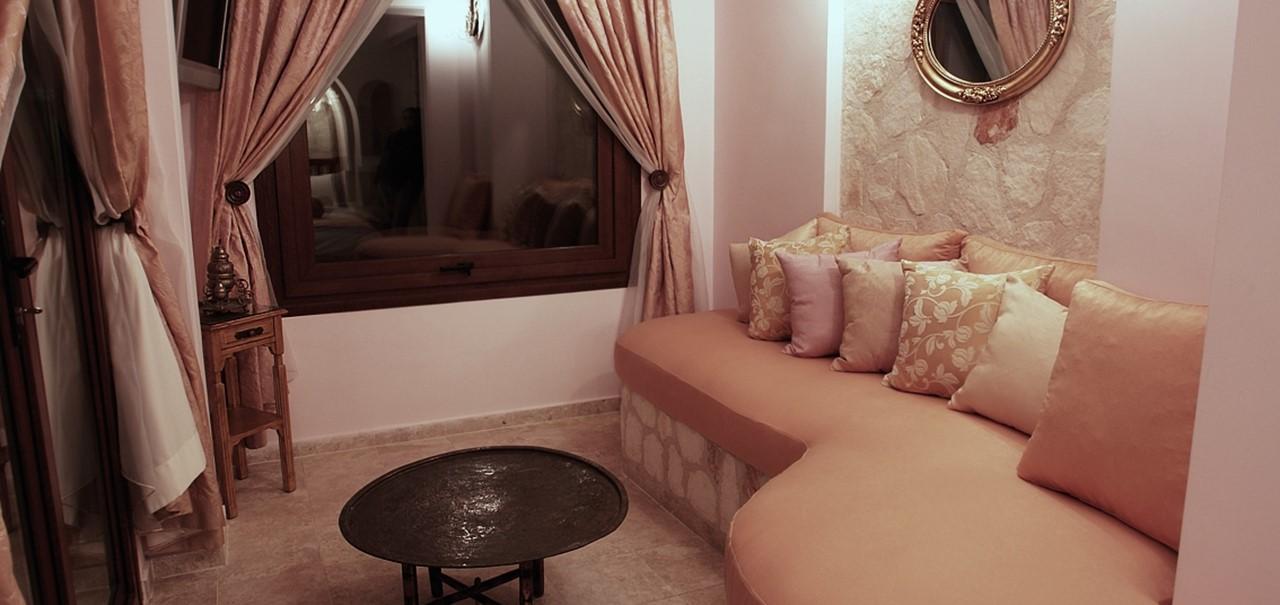 Oasis Hotel Suites 2