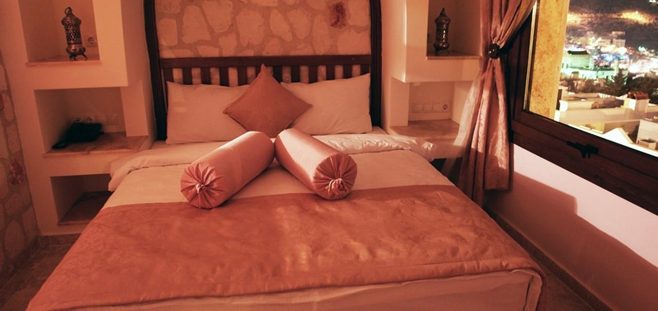 Oasis Hotel Suites 3