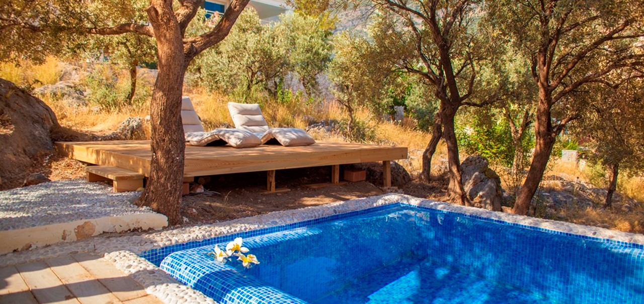 Private Pool Garden Suite Oasis