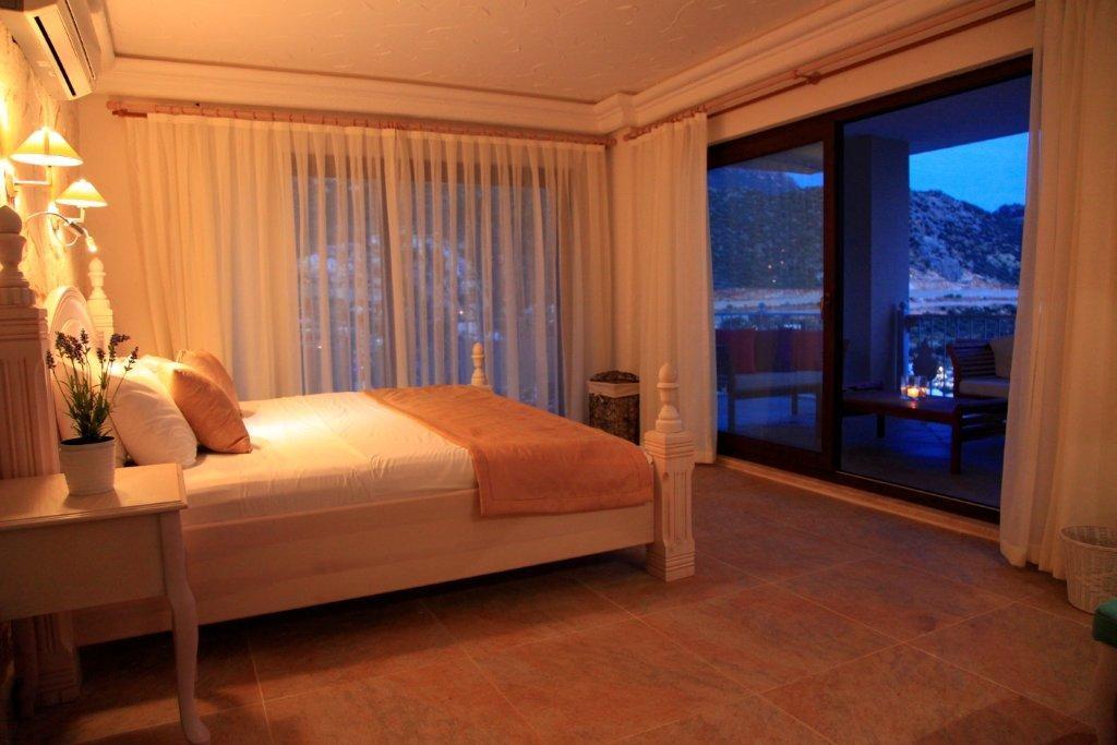 Deluxe Suites Oasis Hotel 16