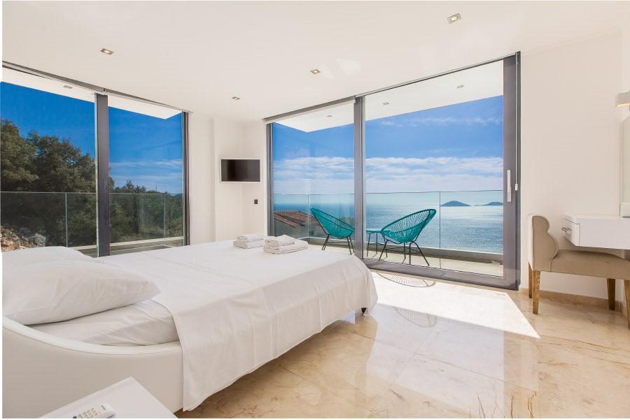 Bedrooms With Sea Views