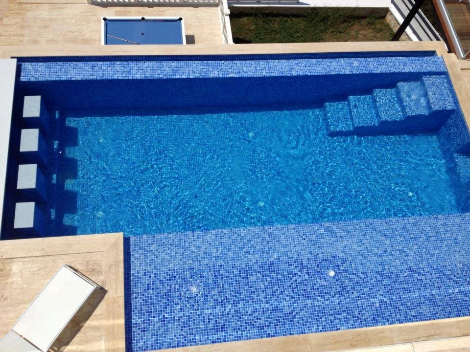 Pool With Shallow Area