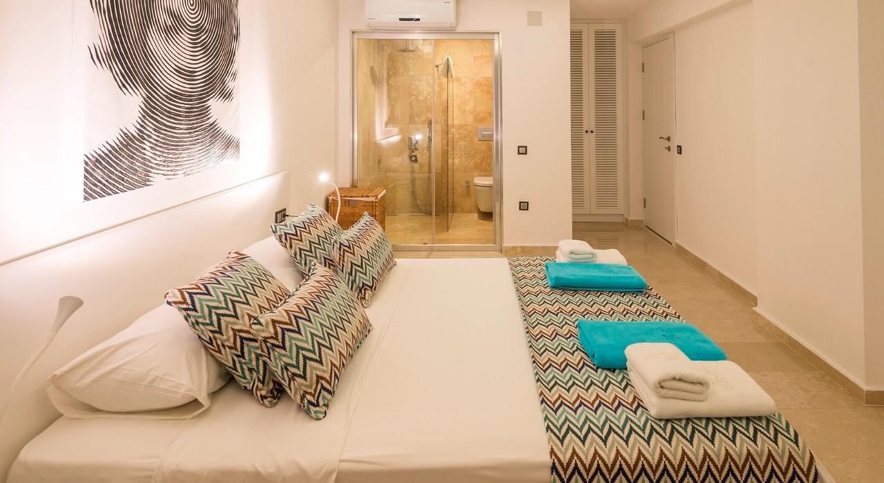 Rumi Penthouse 16