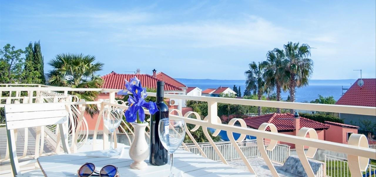 Villa Vjeka Balcony Table