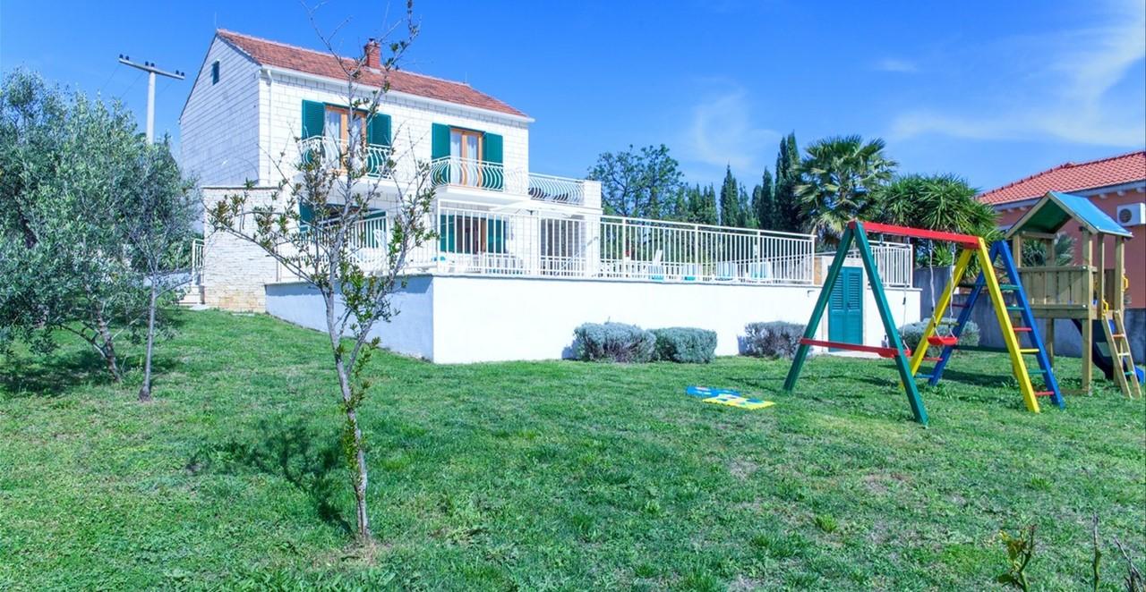 Villa Vjeka Full Garden