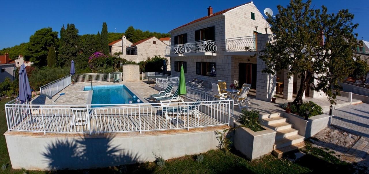 Villa Vjeka Full Side View