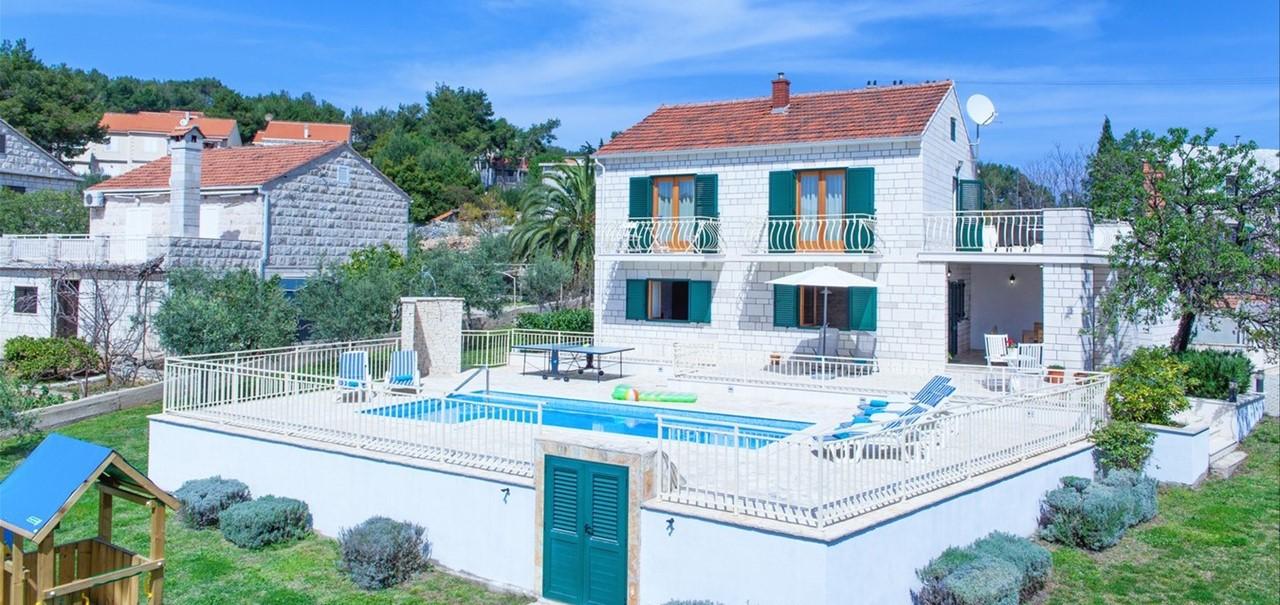 Villa Vjeka Full View