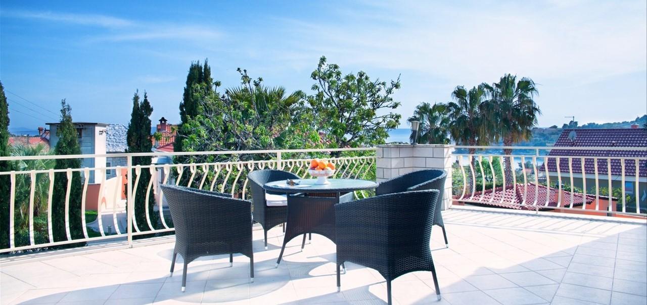 Villa Vjeka Large Balcony With Table