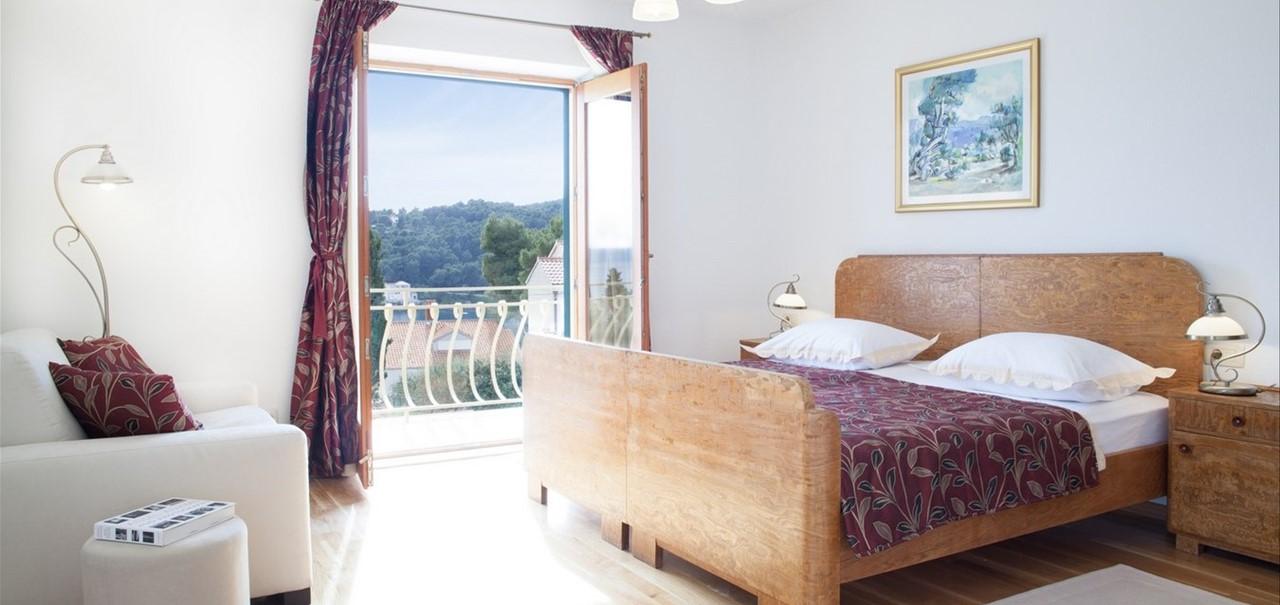 Villa Vjeka Master Bed