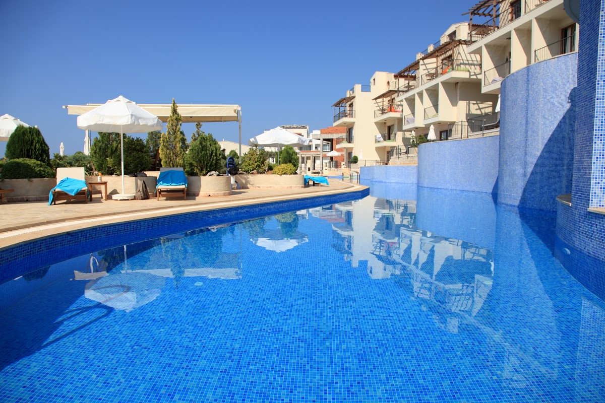 Elvina Apartments and pool complex