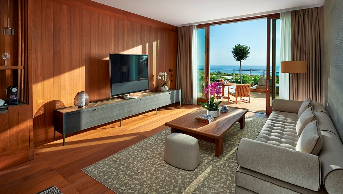 Sea View Suite With Private Pool Living Room
