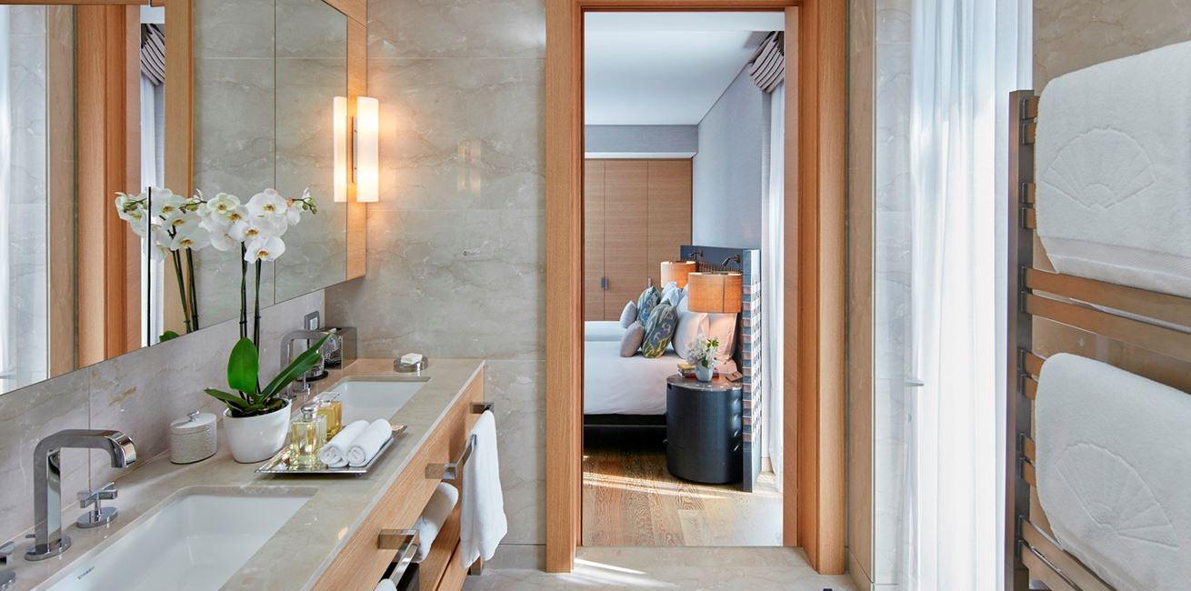 Pine View 2 Bedroom Apartment BTHRM 02