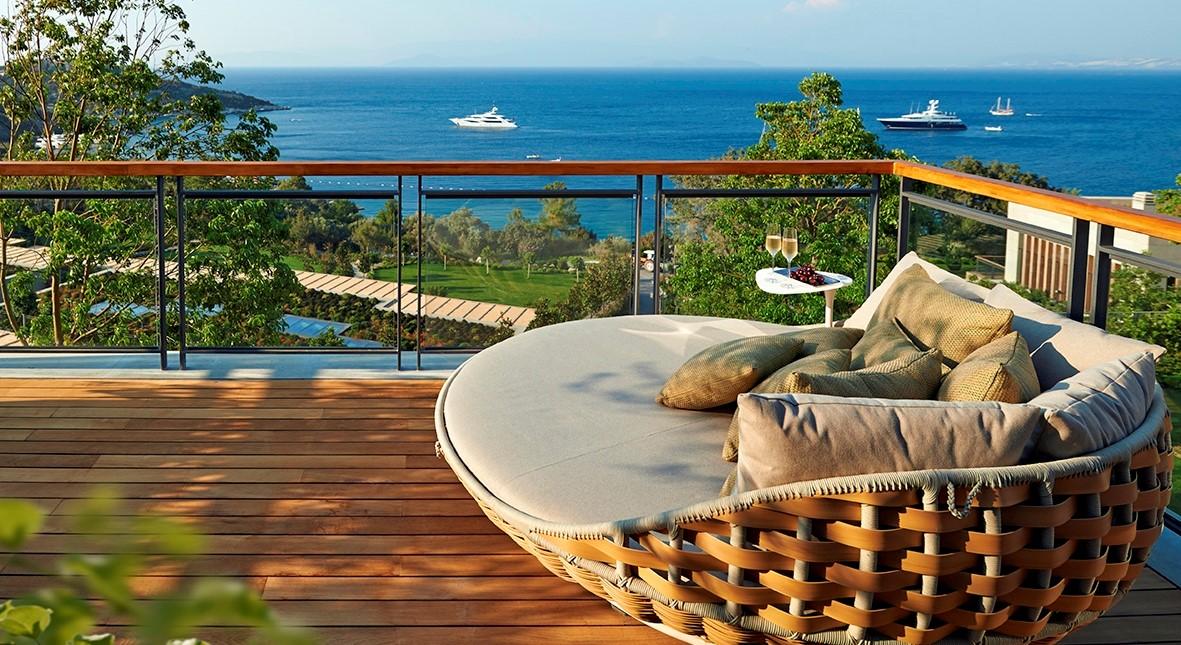 MOBOD Mandarin Villa Master Bedroom Terrace