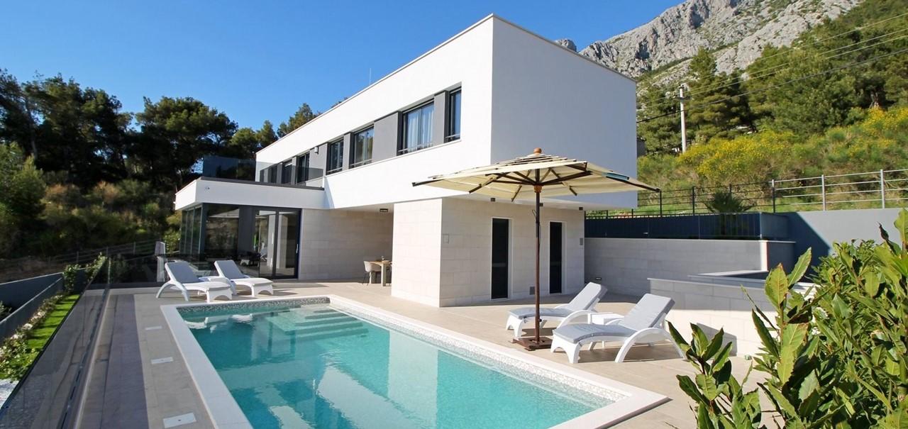 Villa In Brzet 1