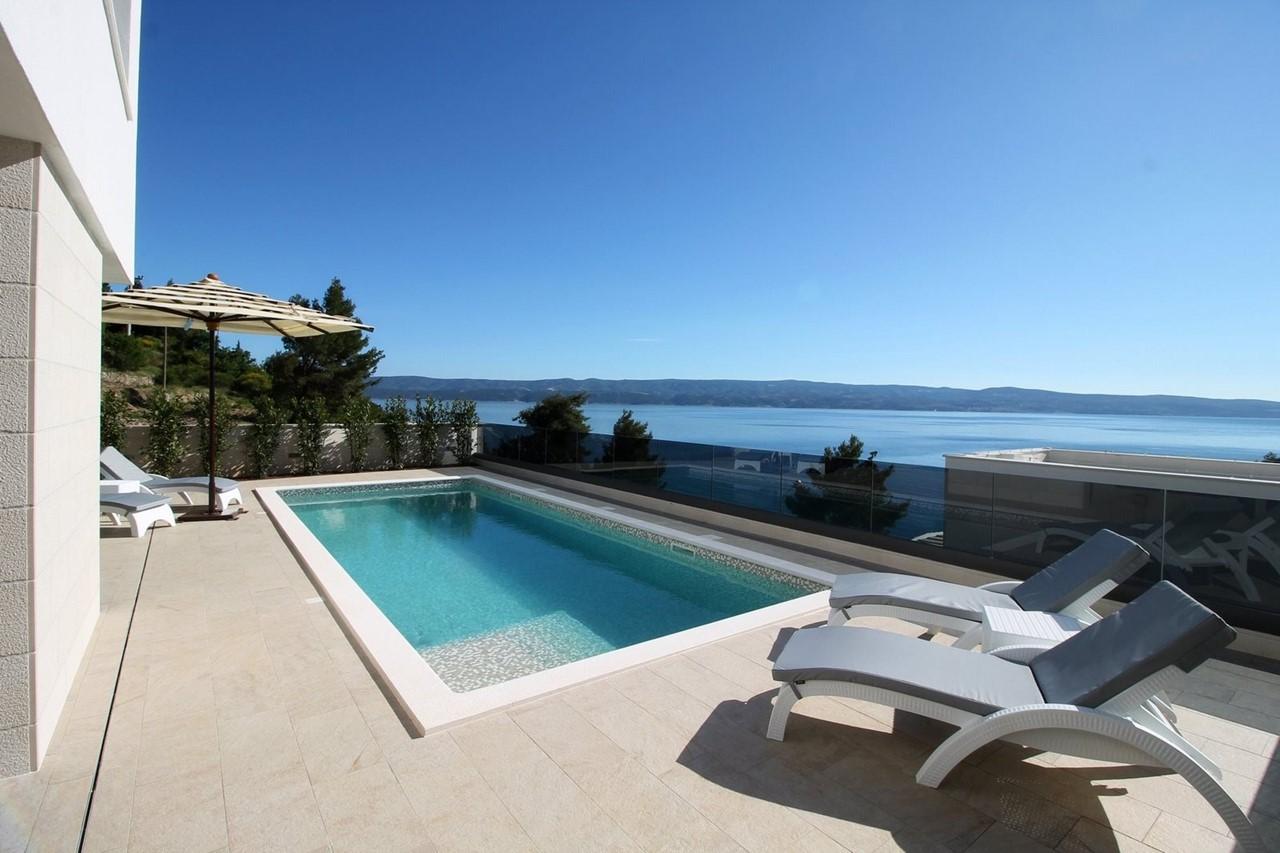 Villa In Brzet 2
